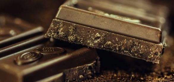 Dark chocolate has many healthy benefits. Image via Pixabay.com