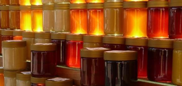 Honey may benefit aging skin. Pixabay.com