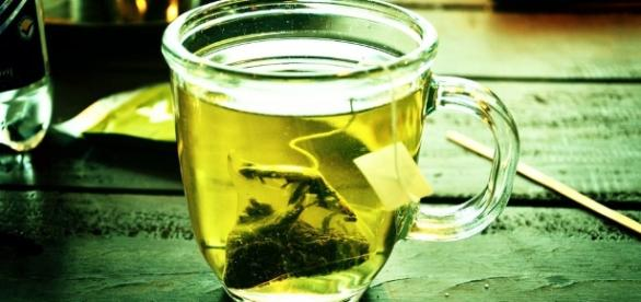 Do You Consume Green Tea Let S Weigh All The Pros And Cons Of ... - explainoexpo.com