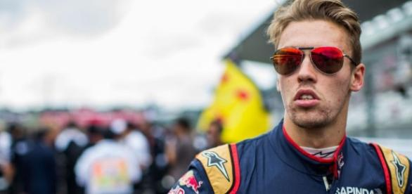 OFICIAL: Toro Rosso confirma a Kvyat para 2017 | SoyMotor.com - soymotor.com