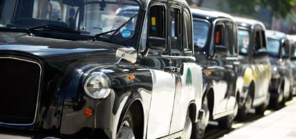Los taxistas de Londres deben aprender a navegar entre miles de sitios de la ciudad