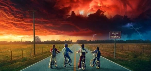 Après le succès aussi spectaculaire que mérité de la première saison, Stranger Things revient sur nos écrans le 27 octobre - crédit : isup.ws