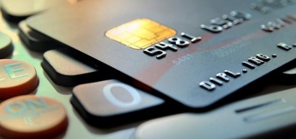 Manter uma planilha de receitas e despesas ajuda a melhorar a saúde financeira