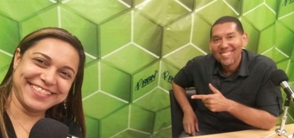 Vanessa Cavalcanti e Claudio Palermo nos estúdios da TV Mundo Maior