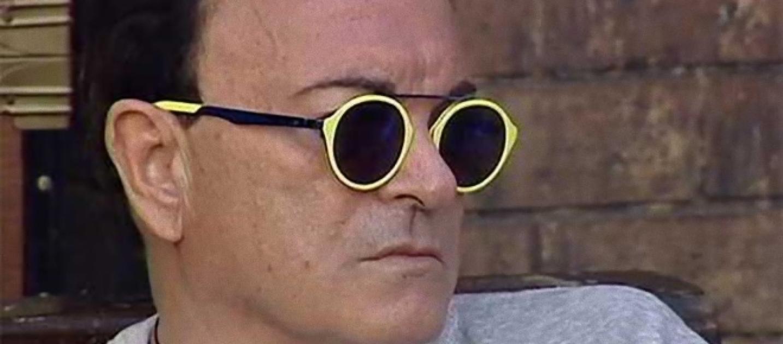 Grande fratello vip ecco perch malgioglio indossa sempre for Pubblicita occhiali da sole