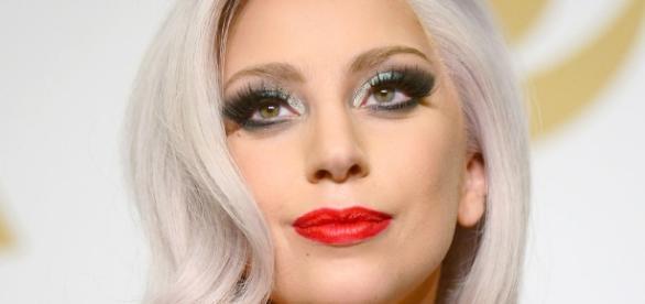 Lady Gaga faz pedido ao governo
