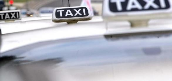 Violentata da finto tassista a Milano