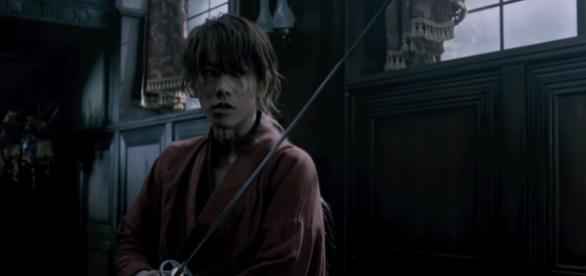 Takeru Sato as Kenshin Himura in Rurouni Kenshin. Credits to: Youtube/るろうに剣心映画