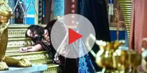 Nabucodonosor cai na frente da rainha (Foto: Reprodução/ Record TV)
