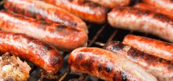 Italian sausage on a grill (Steven Depolo wikimedia commons)