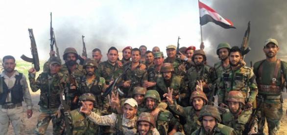 L'esercito regolare siriano ha liberato Deir el-Zor dall'Isis dopo un assedio durato 28 mesi