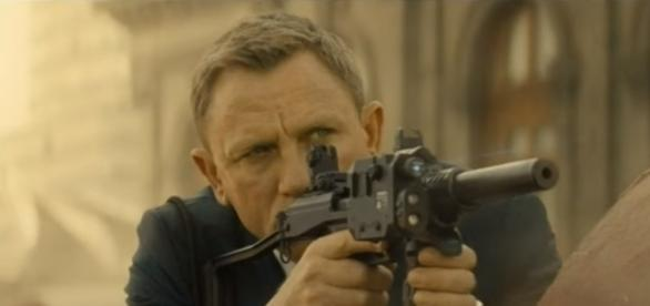 "Daniel Craig as James Bond in ""Spectre."" (Photo:YouTube/Nigel Le Grange)"