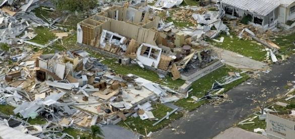 Hurricane destruction - Image via Pixabay.