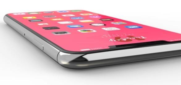 iPhone 8, 8 Plus & iPhone/ EverythingApplePro / Youtube Screenshot