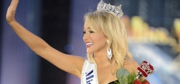 Miss America crowning, Image Credit: Disney ABC Television / Flickr