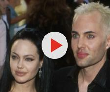 Angelina Jolie com o irmão James, em 2000