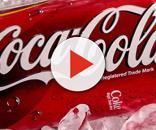 Verme nella Coca Cola: ecco cosa è successo