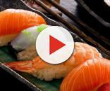 Mangiare sushi ogni giorno ha avuto conseguenze sgradevoli e potenzialmente mortali per un uomo californiano.