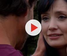 Pedro pede Amélia em namoro e a emociona