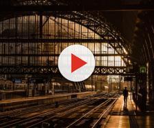 Una stazione ferroviaria senza treni