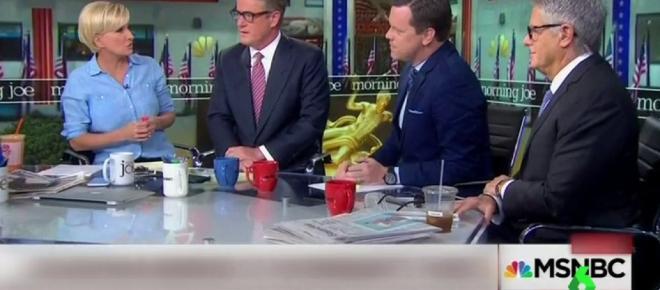 Presentador de MSNBC expone el narcisismo de Trump