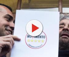 Luigi Di Maio e Beppe Grillo presentano il logo del M5S