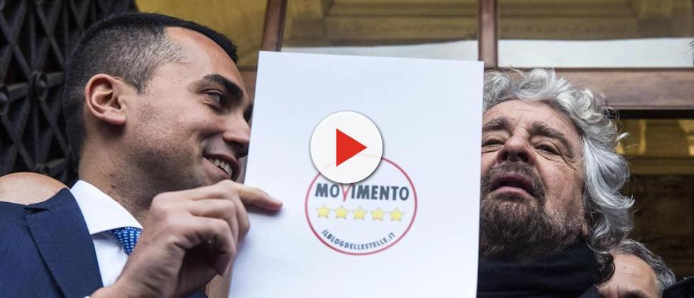 Il volantino elettorale con il piano di governo del Movimento 5 Stelle