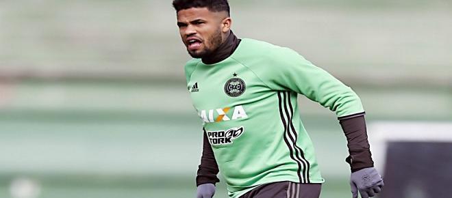 Reforços, saída de zagueiro e treino antes de jogo: a terça do Fluminense