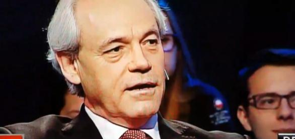 Poseł PO Adam Szejnfeld w programie TVP 'Bez Retuszu' (screen Twitter)