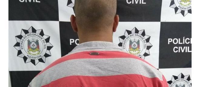 Homem é preso por espancar ex-esposa e ameaçar família de morte, em Alvorada