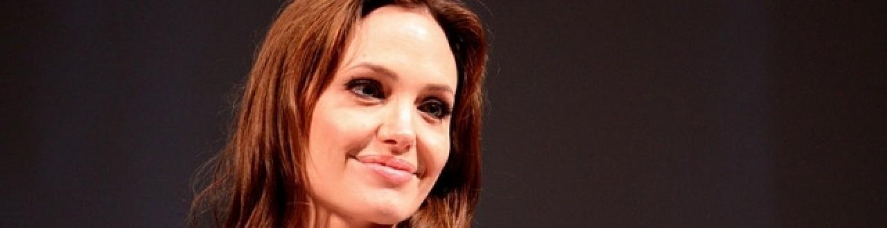 Impegnata su più fronti, è stata anche considerata l'attrice più potente nel Guinness dei primati 2009.