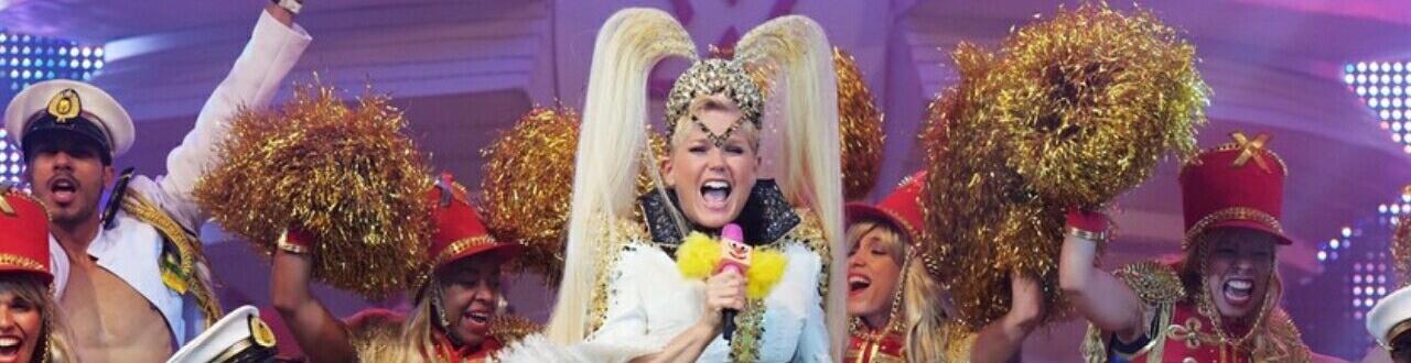 O show tem que continuar e a eterna 'Rainha dos Baixinhos' sempre vai brilhar por onde passar! Aqui, você pode se manter atualizado sobre a Xuxa.