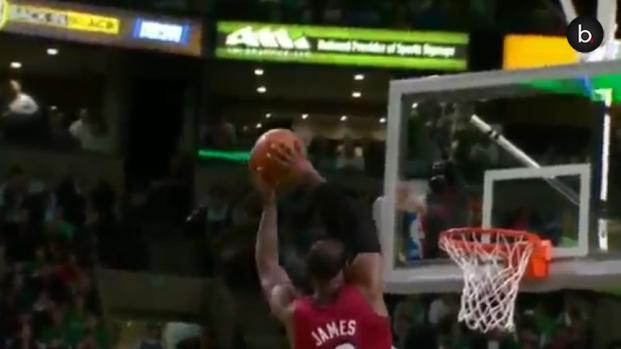 NBA, le schiacciate più spettacolari