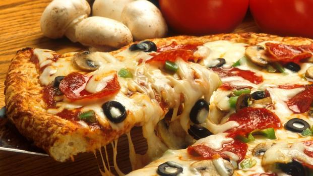 Pizza: cos'è, come è fatta e come si mangia