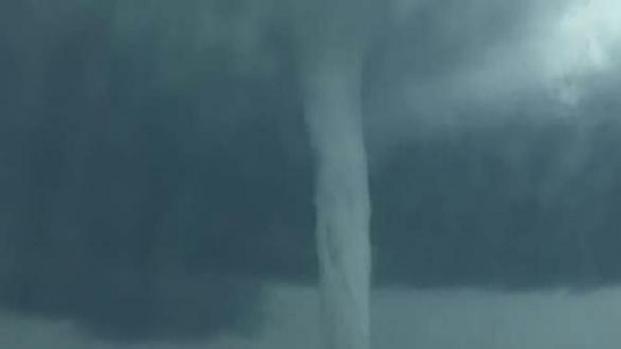 VIDEO: Paura nel Salento, tromba d'aria spaventosa: ecco le foto