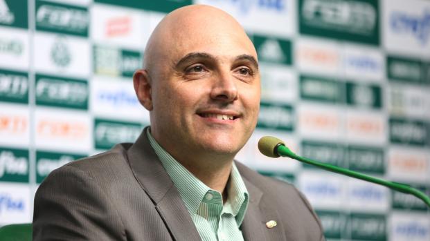 Presidente do Palmeiras tenta acalmar torcida após fiasco na Copa do Brasil