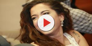 Grávida? Anitta acaricia 'barriguinha' em foto com amigo