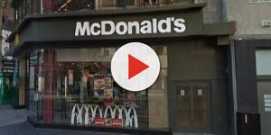Famílias horrorizadas: homem injeta droga em seus genitais no McDonald's