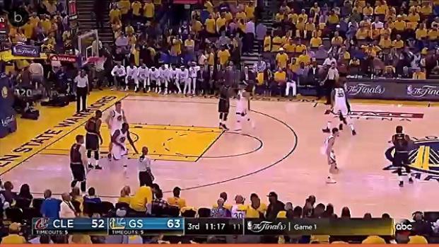 Baloncesto: Curry muestra cautela al hablar de Irving