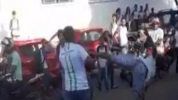 Briga entre diretor e ex-aluno em Araguaína (TO), veja os vídeos!