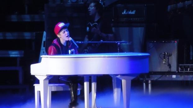 Justin Bieber canta funcionária da academia e é humilhado da pior forma