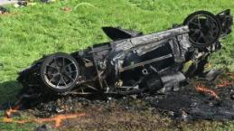 Apresentador sofre gravíssimo acidente de carro e fãs fazem orações