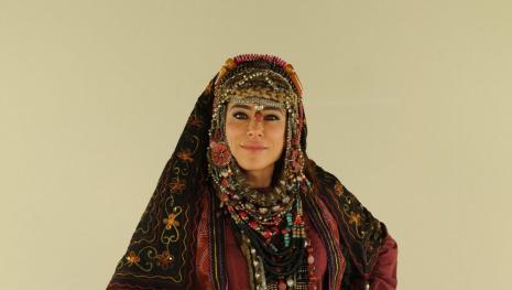 Novela 'O Rico e Lázaro': Asher encontra a mãe de Hurzabum em estado deplorável