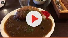 Un restaurante japonés paga por comer arroz con curry