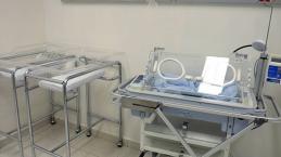 Neonato muore in ospedale accanto alla mamma: la colpa è tutta delle infermiere