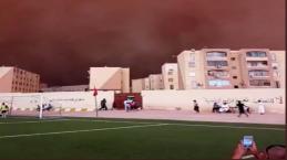 Tempestade de areia transforma o dia em noite na Argélia