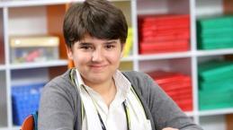 """Ator de """"Carrossel"""" aparece musculoso aos 17 anos, e impressiona os fãs; veja"""