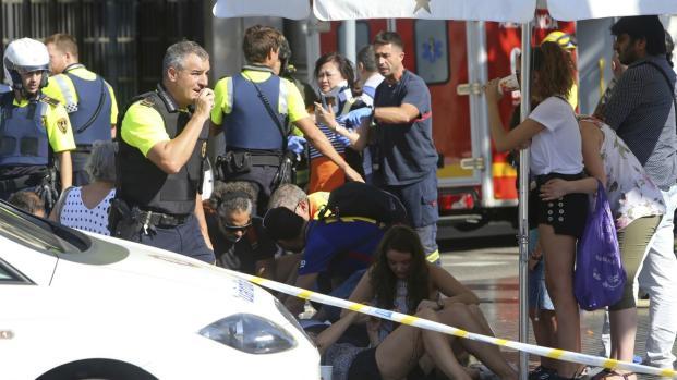 Vídeos do ataque terrorista em Barcelona: Estado Islâmico reivindicou o ato