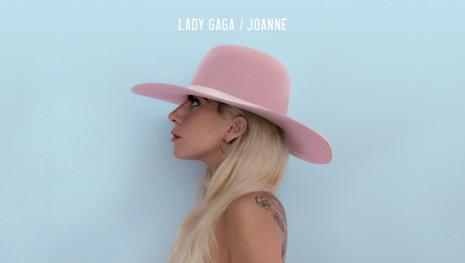 Exemplo: Lady Gaga dá dinheiro a moradores de rua em São Francisco. Veja o vídeo