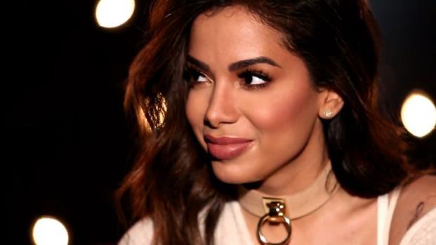 Anitta diz não 'levar fora' facilmente e afirma:'Prefiro quem não tem dinheiro'